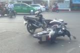 Hai xe máy tông nhau, 1 bé gái nguy kịch