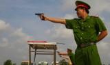 Công an tỉnh Long An: Tập huấn điều lệnh và bắn súng quân dụng