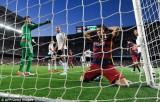 Thua Valencia, Barca chìm sâu trong khủng hoảng