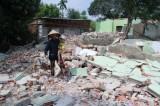 Chuyện lạ ở Đà Nẵng: dân đập nhà rồi ra ở lán trại