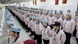 """Đột nhập nhà máy sản xuất iPhone """"bí mật nhất thế giới"""""""