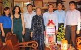 Báo Long An nhận phụng dưỡng Mẹ Việt Nam Anh hùng