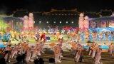 Lung linh sắc màu trong đêm khai mạc Festival Huế 2016