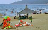 Du khách đến Hà Tĩnh đông trở lại sau thảm họa cá chết