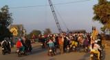 Lưu thông ngày lễ: Xe đông nghẹt trên đường N2