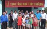 Huyện đoàn Cần Giuộc: Trao tặng nhà tình thương và bê tông hóa đường GTNT