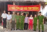 Công an huyện Cần Giuộc: Xây dựng nhà tình thương cho người nghèo