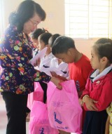Tân Hưng: Chú trọng công tác chăm sóc và bảo vệ trẻ em
