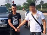Cầm mã tấu đi cướp, chặn đúng xe của cảnh sát hình sự