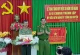 Đảng bộ Công an huyện Cần Giuộc: Trao tặng Huy hiệu 30 năm tuổi Đảng