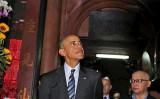 Tổng thống Obama tới thăm chùa Ngọc Hoàng