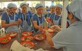 Long An: Tăng cường kiểm tra an toàn thực phẩm bếp ăn tập thể, suất ăn sẵn