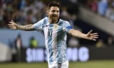 Lionel Messi lập hat-trick đưa Agentina vào tứ kết Copa America