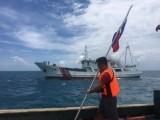 Trung Quốc cản trở Philippines cắm cờ trên bãi cạn Scarborough