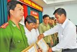 5 năm thực hiện chỉ thị 03-CT/TW Thủ Thừa có gần 150 cá nhân và tập thể được khen thưởng