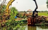 Long An: Tháo dỡ đập tạm ngăn mặn phục vụ sản xuất