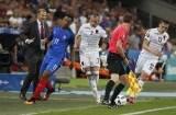 Griezmann lóe sáng, Pháp thắng muộn mằn