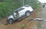 Tân Thạnh: Xe container tông ô tô 7 chỗ, 1 người bị thương nặng