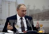 """Ông Putin cáo buộc Thủ tướng Anh dùng Brexit để """"hăm dọa"""" châu Âu"""