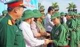 Long An xuất quân khóa học kỳ quân đội năm 2016