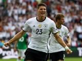 Đức, Ba Lan và Bắc Ireland dắt tay nhau vào vòng 1/8 EURO
