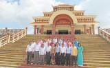 Đoàn cán bộ Ủy ban kiểm tra của Đảng Nhân dân cách mạng Lào trao đổi kinh nghiệm với huyện Bến Lức