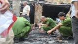 Vụ 4 người chết cháy: Bế con nhỏ lao qua đám lửa