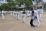 Sân chơi lành mạnh cho trẻ em vùng sâu
