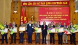 Phó Thủ tướng trao tặng Huân chương cho lãnh đạo Văn phòng Chính phủ