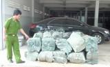 Đức Hòa: Bắt giữ lô thuốc lá nhập lậu lớn ngụy trang bằng trấu