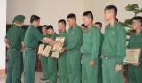 Tiểu đoàn HL-CĐ Biên phòng Long An: 24 cá nhân được khen thưởng huấn luyện chiến sĩ mới 2016