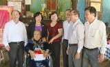 Long An: Văn phòng Quốc hội nhận phụng dưỡng Mẹ VNAH ở huyện Châu Thành
