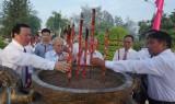 Đức Hòa – Long An: Viếng nghĩa trang liệt sĩ nhân ngày 27/7