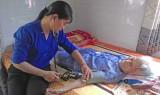 Tân Hưng: Thăm và tặng quà Mẹ Việt Nam Anh hùng
