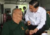 Long An: Thăm tặng quà 14 thương binh nặng và 11 đối tượng chính sách