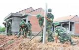 Cán bộ, chiến sĩ trẻ xung kích xây dựng và bảo vệ Tổ quốc