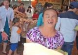 Đức Hòa: Trao 60 phần quà cho nạn nhân chất độc da cam