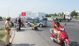 Hôm nay 1/8: Tăng mức phạt xe máy vi phạm luật giao thông