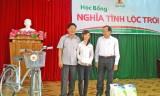 Tập đoàn Lộc Trời tặng 153 suất học bổng cho học sinh nghèo huyện Tân Thạnh