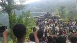 Xe buýt rơi 300m, 33 người chết thảm