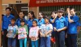 Tiếp sức học sinh nghèo Tân Đông