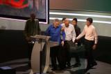 Thủ tướng Singapore bị choáng khi đang đọc thông điệp quốc khánh