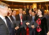 Chủ tịch Quốc hội gặp mặt các đại sứ, trưởng cơ quan đại diện