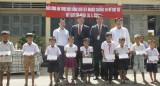 Báo Long An trao học bổng cho học sinh nghèo