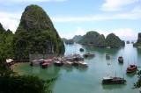 Quảng Ninh bác bỏ đề xuất kinh doanh ăn uống trên Vịnh Hạ Long