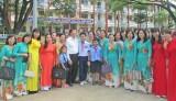 Nguyên Chủ tịch nước - Trương Tấn Sang bất ngờ ghé thăm  Trường THCS Hậu Nghĩa