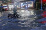 Tân An: Đường thành sông sau cơn mưa