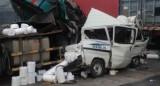 5 xe tải húc nhau, 1 tài xế chết trong cabin bẹp dúm