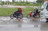 QL1 đoạn tránh TP.Tân An hư hỏng nặng, nguy cơ tai nạn giao thông rất cao