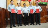 Tỉnh ủy Long An trao quyết định điều động, bổ nhiệm cán bộ